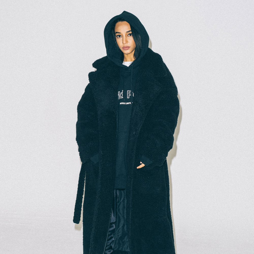 PROMPTER X BUND - Ted Shearing Coat Black